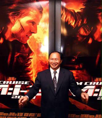 图文:吴宇森出席《碟中谍2》香港首映式