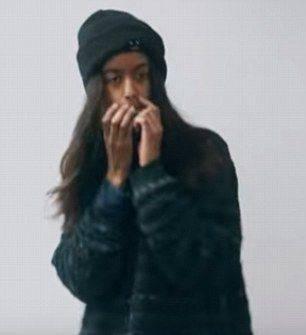 Malia现身MV,贡献了自己的表演首秀