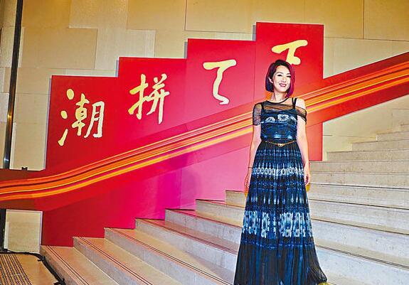 身为潮州人的杨千嬅表示,得到这个肯定,有种光宗耀祖的感觉。