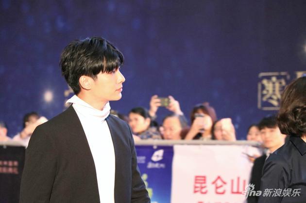 炎亚纶出席2017杭州第五届十大华语电影表彰典礼