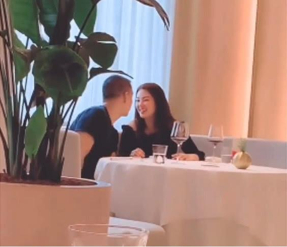 张雨绮与男友人热聊