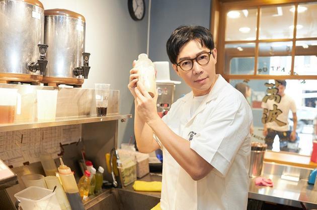 品冠自己制作珍珠奶茶
