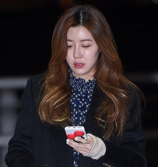 朴韩屏在求情信指丈夫不会回避及逃走。