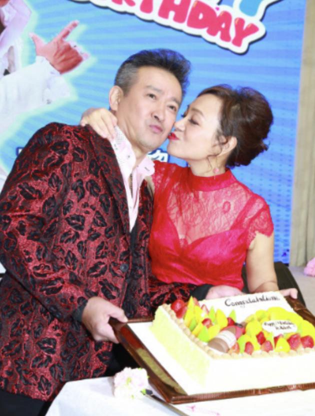 香港歌手确诊新冠