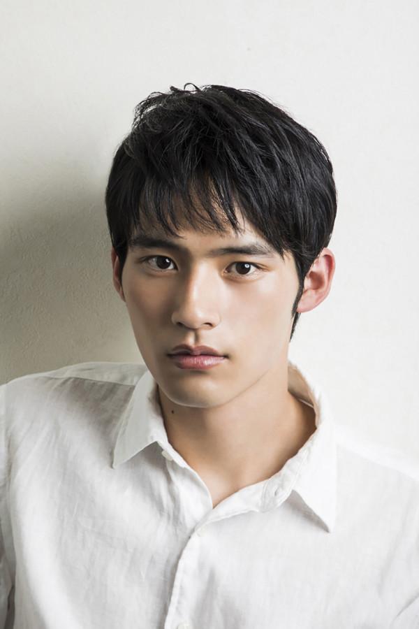 日剧《不觉得讲博多话的妹子很可爱吗?》演员冈田健史