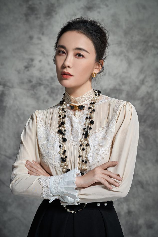 演员吕佳容。