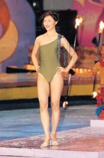 露阴无码��.�_西雅图佳丽温美玲穿泳装表演舞蹈时不慎露点/冠军温哥华佳丽周雪胜在