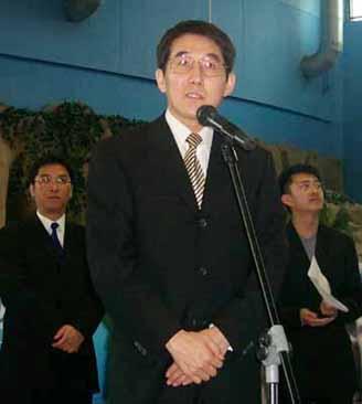 圖文:陸毅新片開機 張國榮海洋館捧場(6)圖片